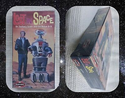 AU115 • Buy Model Kit - Polar Lights  Lost In Space  Dr. Smith & B9 Robot