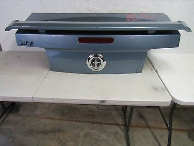 $300 • Buy 2005-2006-2007-2008-2009 Ford Mustang Trunk Lid Original