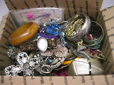 $ CDN48.34 • Buy 5lb Costume Vintage Jewelry Box Lot Bracelet Necklace Earrings Unsearched Repair