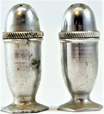 Mini Aluminum Salt & Pepper Shakers Vintage 2  Tall Free Shipping • 6.99$