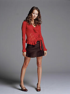 $ CDN5.04 • Buy Amy Acker With Long Sleeve Red Shirt 8x10 Picture Celebrity Print