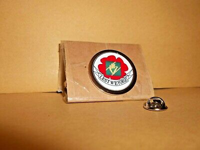 Ulster Defence Regiment Poppy Lapel Pin Badge • 6£