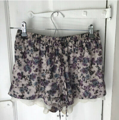 Zara Smudge Watercolour Shorts Lace Size Xs • 13£