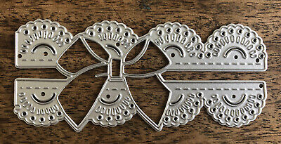 Metal Cutting Die - SCALLOPED DOILY EDGE With BOW Pretty (V96) • 5.50£