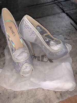 Silver / Diamond Shoes Size 4 • 25.99£