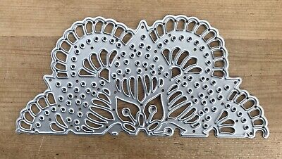 Metal Cutting Die - Scalloped HALF FAN LACE FLOWER DOILY (Q39) • 4.75£