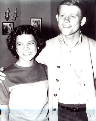 $7.99 • Buy Erin Moran Ron Howard Happy Days 8x10 Photo #V6133