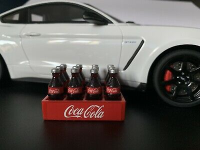 1:18 Diorama Garage Branded Drinks Bottles Set With Crate 1/18 Coca-Cola • 6.50£