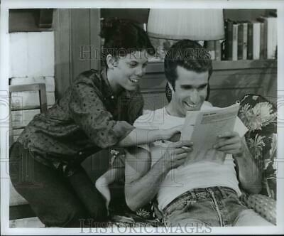 $19.99 • Buy 1975 Press Photo Erin Moran And Henry Winkler Star On Happy Days. - Spp06158