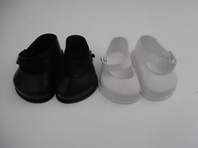 2 Pairs Of Vintage Cinderella Doll Shoes Size 4 - 1 X White 1 X Black • 0.99£