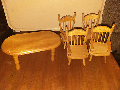 Dolls House Furniture – Wooden Kitchen Table And 4 Chairs • 1.99£