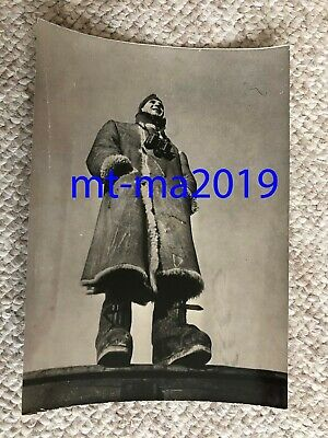 Ww2 Press Photograph - German Naval Marine Artillery Officer In Winter Overcoat • 8£
