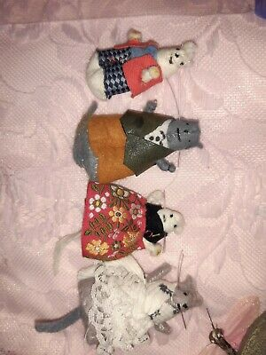 Small Mice Figures In Clothing  • 3£