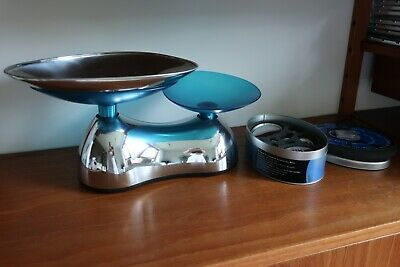 Equilibrium Kitchen Scales & Metric Pebble Weights • 45£