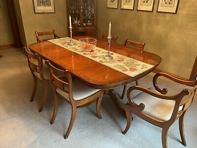 Bevan Funnell Reprodux Dining Table & Chairs • 250£