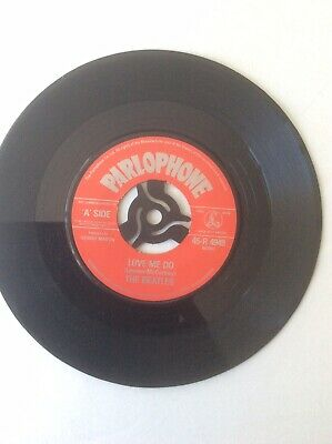 BEATLES LOVE ME DO ,P.S.I LOVE YOU 45 Plays Well • 3.60£