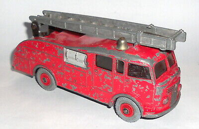 Dinky Toys - Fire Engine 1960-64 • 4.20£