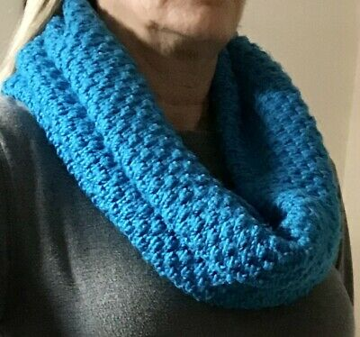 Knitted Snood Scarf • 1.99£