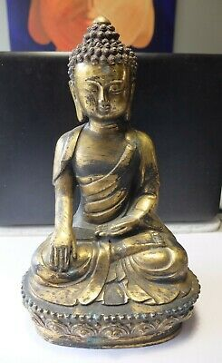 A Superb, Large Antique Chinese Gilt Bronze Figure Of Buddha. • 75£