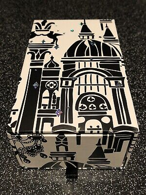 Anna Sui Face Towel Set In A Drawer Gift Box, Pack Of Two, • 9.99£