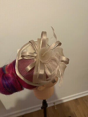 Dorothy Perkins Fascinator Champagne Pink Feather Flower Formal Wedding Races • 12£