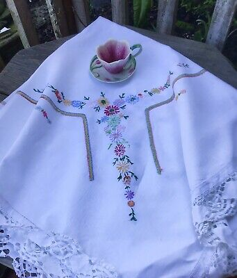 Vintage Hand Embroidered Lace Edged Tablecloth 46x46 Inch  • 10.99£