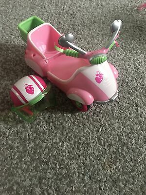 My Little Pony Carriage & Helmet With Strawberry Detail - 2004 • 10£