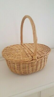 £20 • Buy Wicker Oval Egg Basket Excellent Condition.