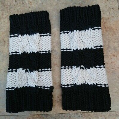£8 • Buy New Look Black/White Chunky Cable Knit Wrist/Hand Warmers - One Size - USED