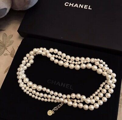 £289 • Buy CHANEL Classic Anniversary Edition Pearl Necklace
