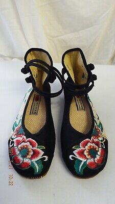 £2.99 • Buy Chinese Size 41 Apx. 6.5 UK Black Red Floral Embroidered Fabric Flat Shoes
