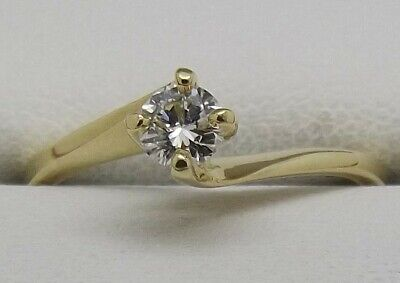 AU654 • Buy 18ct Yellow Gold Natural Diamond Solitaire Engagement Ring Size M - Value $1408