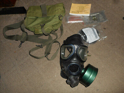 $167.95 • Buy US Military M40 Gas Mask Size Large With Bag And Filter
