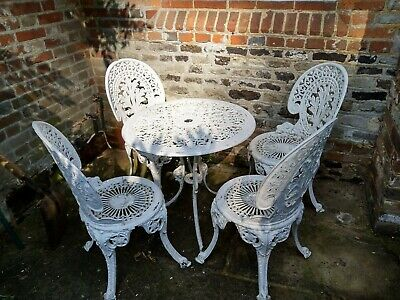 £67 • Buy Vintage Cast Aluminium Patio Table And 4 Chairs Painted White.