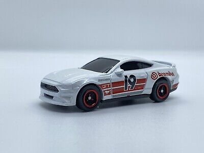 AU1.35 • Buy Matchbox '19 Ford Mustang Coupe Loose