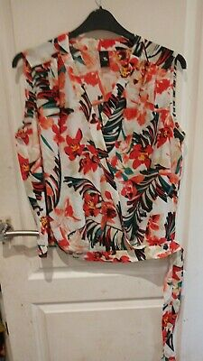 £3 • Buy Gok Wan For TU Floral Cross Front Side Tie Top Size 18