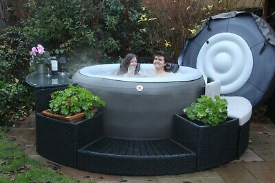 £500 • Buy Canadian Spa Company 2021 Grand Rapids Inflatable Hot Tub