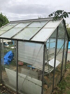 £30 • Buy Approx 7x7ft Walk-in Greenhouse Aluminium Frame - Opening Window (mainly Glass)