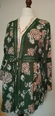 £5.99 • Buy Gorgeous Green Flower Plus Size Top From K-SHOP. Size 18-20