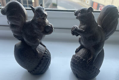 £6 • Buy Dunelm Pair Of Small Resin Squirrels With Acorns Ornament Home Decor. Free Post