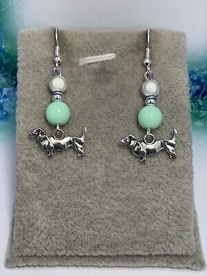 £0.99 • Buy Silver Plated Dachshund 💚 Dangle Earrings 💚 Perfect Gift