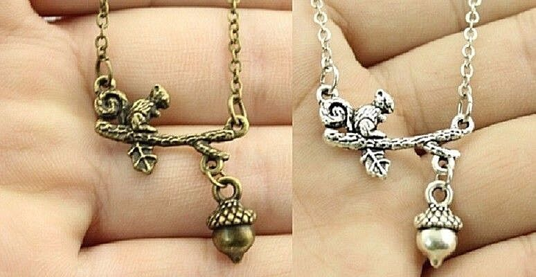 1  SQUIRREL ON A LIMB With Dangle ACORN Pendant 18  Link Chain Necklace (#3) • 5.99$