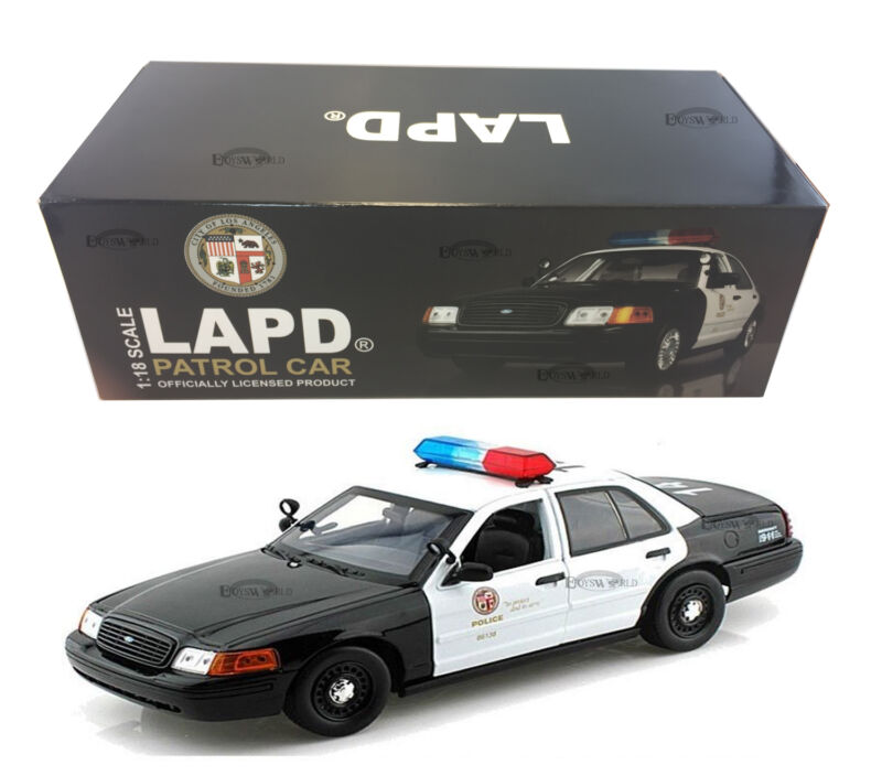 Ford Crown Victoria Los Angeles Police Lapd 1:18 Model Car By Daron 60326  • 49.99$