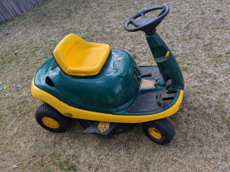 AU800 • Buy Yardman Ride On Mower
