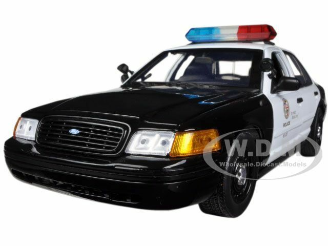 Ford Crown  Victoria Los Angeles Police Lapd 1/18 Model Car By Daron 60326 • 39.99$