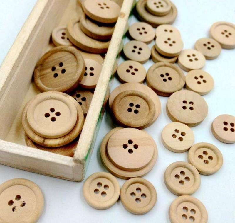 $ CDN1.73 • Buy Lots 50Pcs Mixed Wooden Buttons Natural Color Round 4-Holes Sewing Scrapbooking