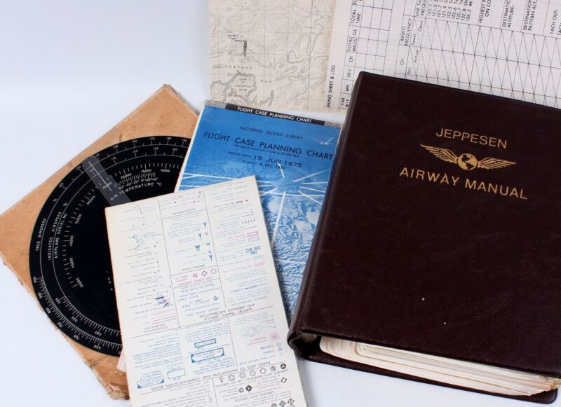 WWII Airspeed Indicator Jeppesen Airway Manual Charts Maps Great Lakes Region • 35.71$