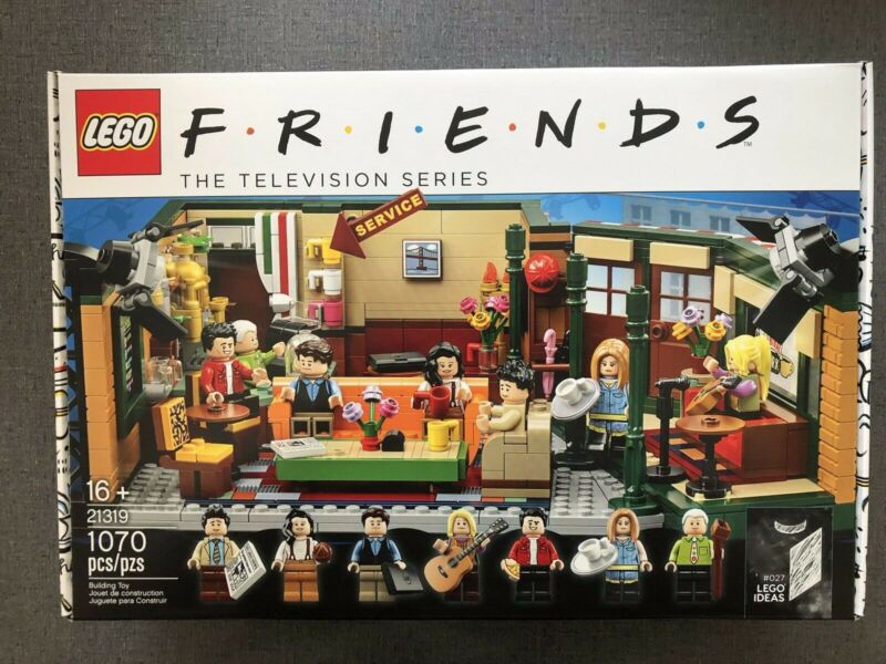 LEGO Ideas Friends Central Perk 21319 Brand New  Free Priority Shipping • 95$
