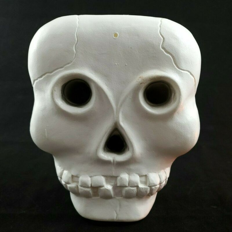 $29.99 • Buy Blinky Halloween Skull Lighted Blow Mold 9  X 7  X 2  - Made In USA Vintage