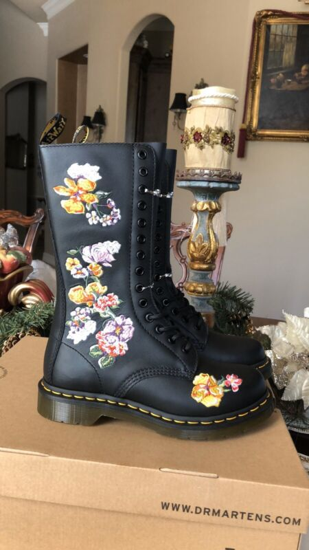 New Dr Martens 1915 Vonda 11 Floral Boots. Size 7 US FREE SHIPPING • 220$